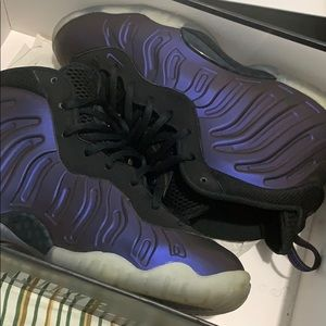 "Nike Varsity Purple Posite 6Y ""Eggplant"""